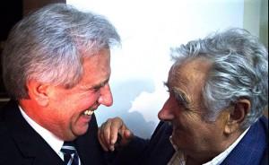 Mujica e seu sucessor Tabaré Vásquez.